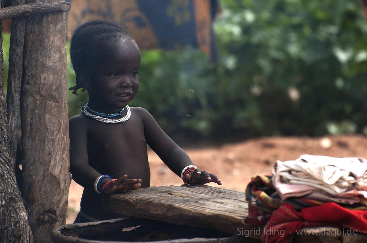 Gelblingen Lodge mit Himba-Dorf