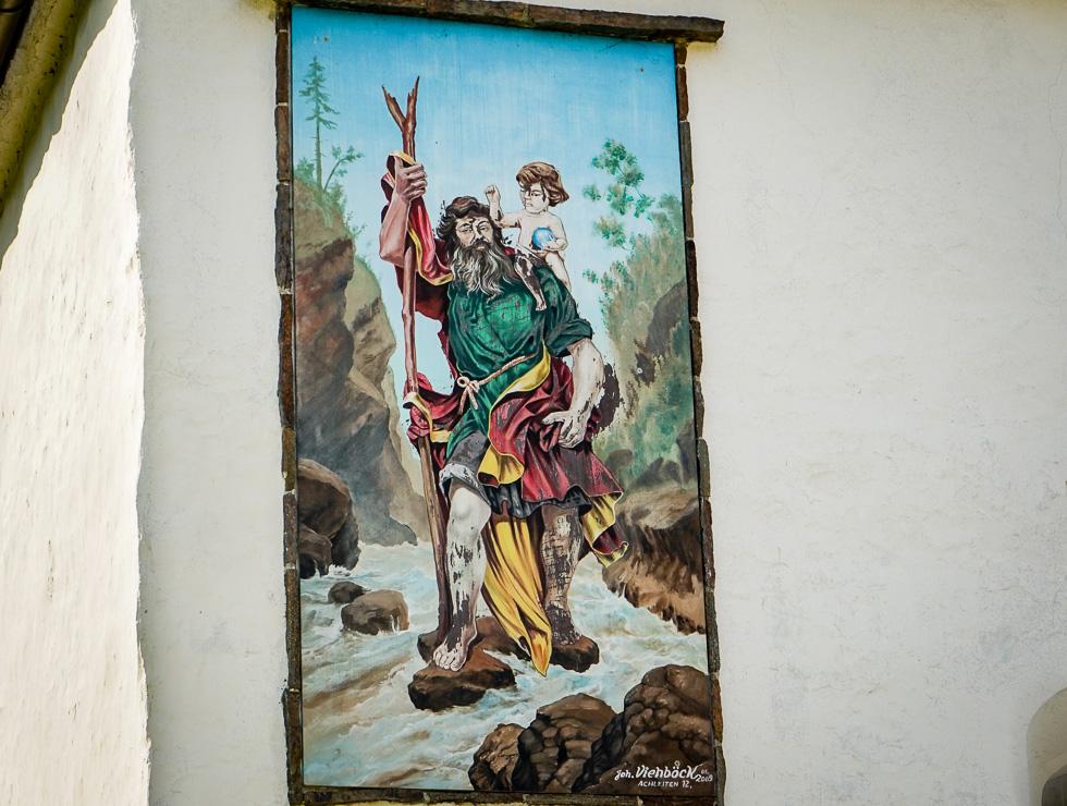 Bild an Kirche in Kasten