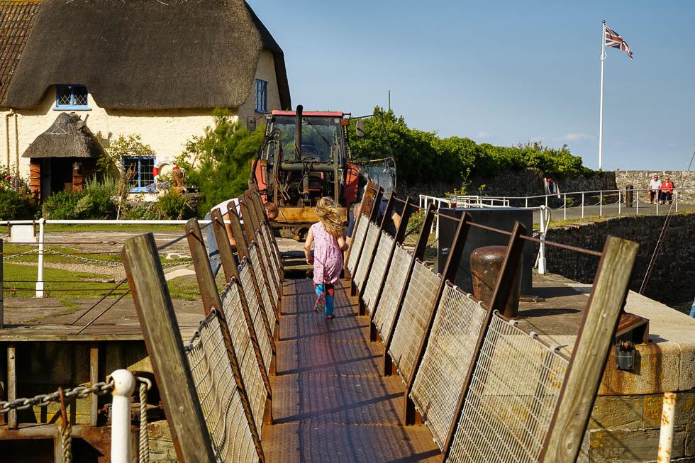 Porlock Weir - die Brückenpassage ist wieder frei.