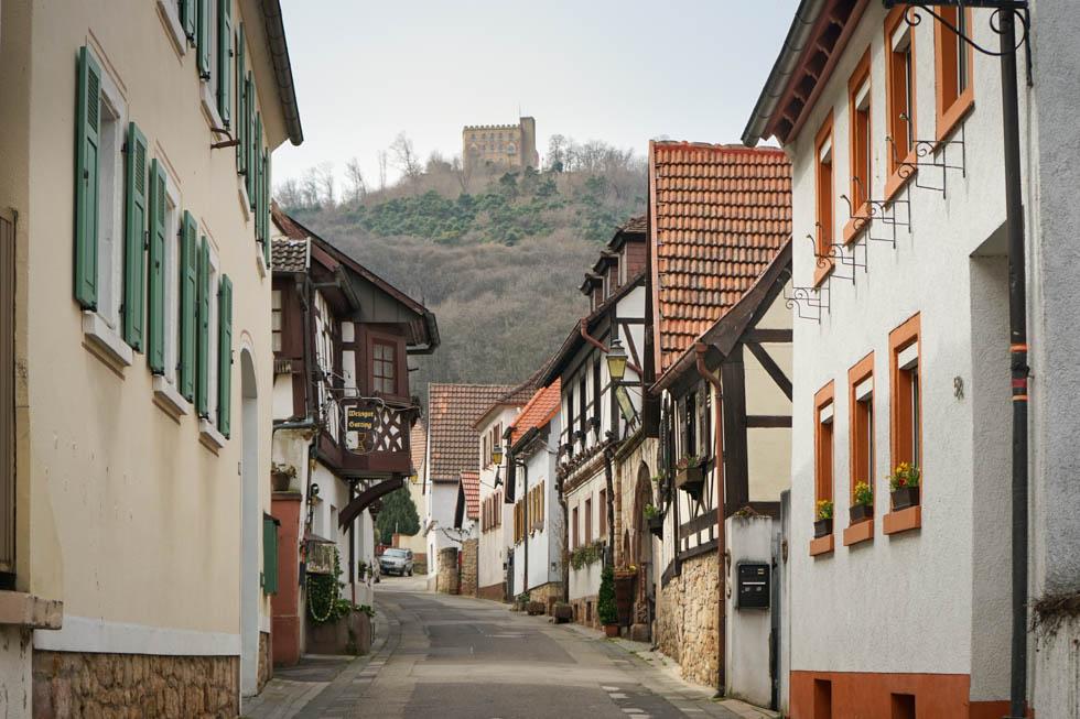 Hambach Schlossstrasse