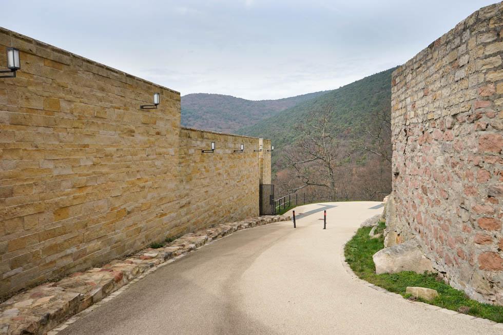 Hambacher Schloss Mauerringe