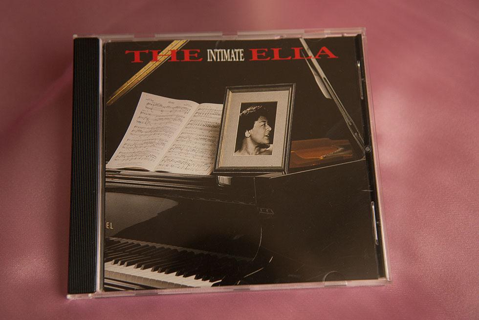 """Album """"The Intimate Ella"""""""