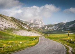 Straße im Gran Sasso d'Italia hin zum Corno Grande
