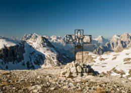 Grabkreuz in den Dolomiten