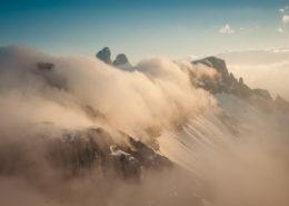 Nebel-Kaskaden überrollen die Drei Zinnen