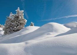 Unberührte Winterlandschaft in den Dolomiten