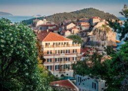 Blick auf die Altstadt von Dubrovnik mit Grand Hotel Imperial