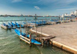 Venedig - Blaue Gondeln