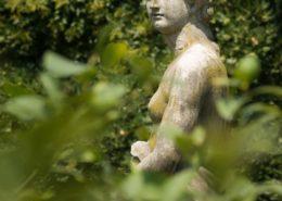 Frauen-Skulptur im Giordano Guisti in Verona