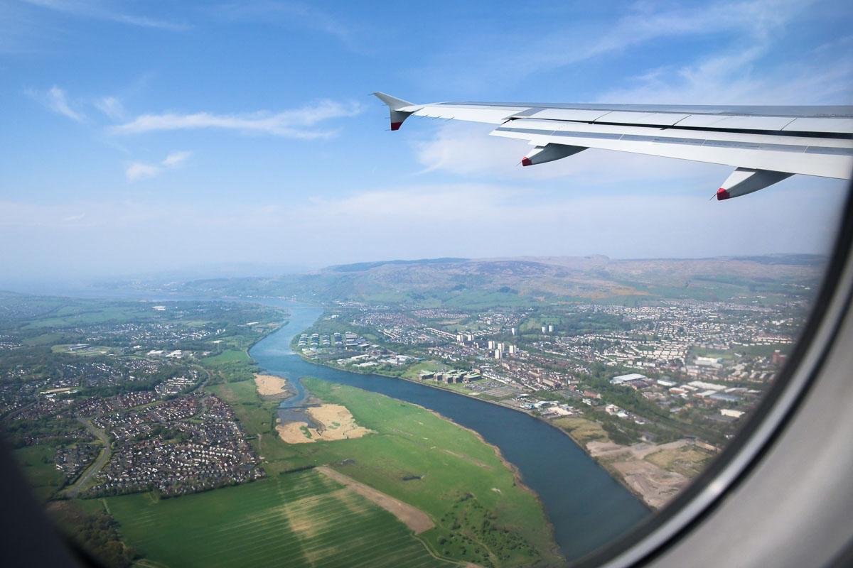 Blick aus dem Flugzeug auf Glasgow
